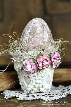Easter Egg Crafts, Easter Art, Easter Eggs, Vasos Vintage, Pottery Barn Easter, Decoupage, Silk Floral Arrangements, Easter Holidays, Spring Crafts