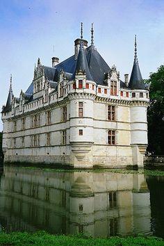 Château d'Azay-le-Rideau, Azay-le-Rideau, Centre, France.  Photo: geoftheref via Flickr.