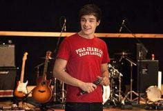 Liam *o*