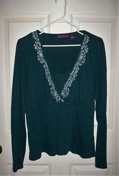 bfa1facb4e4c Vintage Ladies Forest Green Long Sleeve V Neck Knit Top by Gloria  Vanderbilt Large Only 7