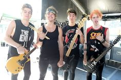 5SOS - One Direction or 5 Seconds of Summer Lyric Quiz
