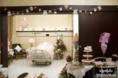 baby hospital room decoration baby girl hospital r - roomdecor Baby Staff, Delivery Room, Hospital Room, Best Hospitals, Baby Lamb, Baby Gifts, New Baby Products, Table Settings, Room Decor