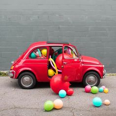 Toys & Car photo for Kids is Whimsy at its finest, from the series: Balloons In Things! Such fun & Games for Kids. Via Oh Happy Day Cool Cars Images, Car Images, Mason Jar Diy, Mason Jar Crafts, Upcycled Crafts, Cute Diys, Animal Party, Amazing Cars, Happy Day