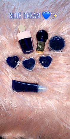 Lip Gloss Homemade, Diy Lip Gloss, Flavored Lip Gloss, Glitter Lip Gloss, Best Lip Gloss, Lip Gloss Colors, Glitter Lips, Cute Makeup, Beauty Makeup