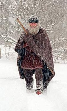 Viking clothing (some info. about N. Europe and Germanic peoples in general)