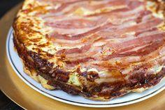 Quiche tatin au Thermomix #TM5 #TM31 Pizza Cake, Lasagna, Entrees, Steak, Good Food, Pork, Food And Drink, Menu, Snacks