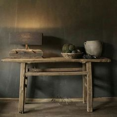 Iconosquare – Instagram webviewer Living Room Decor, Living Spaces, Small Tables, Minimalist Living, Rustic Interiors, Wabi Sabi, Console Table, House Colors, Interior Inspiration