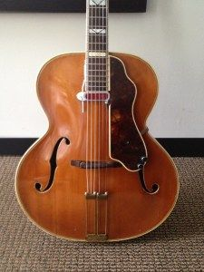 Back before they were bought by Gibson and turned into a cheap shit kicker guitar, Epiphone made some gorgeous guitars. Epiphone Acoustic Guitar, Custom Acoustic Guitars, Archtop Guitar, Music Rooms, Banjos, Vintage Guitars, Cool Guitar, Emperor, Madness