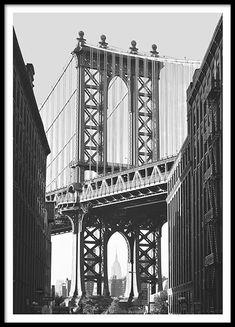 The Manhattan Bridge framing the Empire State Building, Brooklyn, New York City, USA. Black And White Photo Wall, New York Black And White, Black And White Posters, Black And White Aesthetic, Black And White Pictures, Black And White Photography, New York Poster, City Poster, Mode Poster