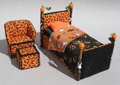 HALLOWEEN BED SET - dollhouse miniatures..Okay...I'm going to have to get this!