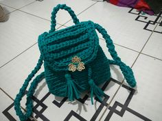 Bolsa feita em fio de malha