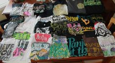 squidgy-lalala:  BAND MERCH GIVEAWAY: My sister and I decided to...