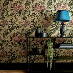 Metallic gold tones warm up modern wallpaper and add a touch of luxury to easily elevate any space. Gold Wallpaper, Wallpaper Direct, Modern Wallpaper, Rose Gold Foil, Metallic Gold, Fern Frond, Golden Life, Inspirational Wallpapers, Gold Background