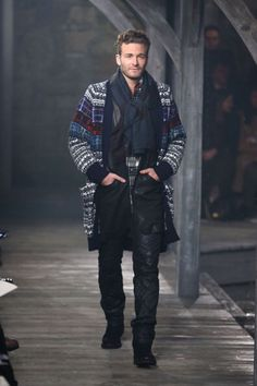 Yes, Chanel has menswear. Here are some of the standout looks your boyfriend would be ooh-ing and ah-ing over if he loved Chanel as much as you do. Chanel Men, How To Wear Scarves, Men's Collection, Onesies, Boyfriend, Winter Jackets, Menswear, Punk, Men's Coats