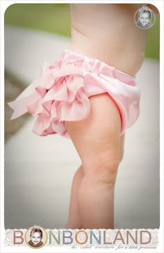 "Pink ruffled baby bloomers diaper covers ""Pink Delight"" in vintage glamour style - photo prop My Baby Girl, Girly Girl, Baby Love, Cute Kids, Cute Babies, Baby Kids, Baby Baby, Fashion Photo, Kids Fashion"