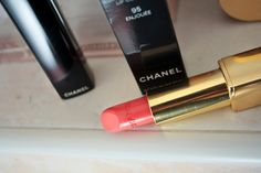 Chanel Lipstick on www.thecurlyway.com