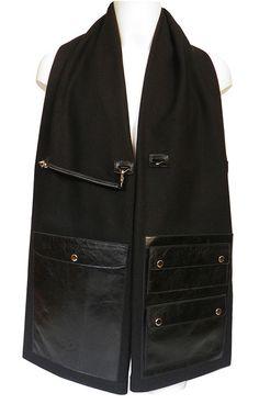 Scarf-Bag or innovative handbag for man Frankly hug  // Moderne Herren Schal-Tasche in Schwarz, Modell Frankly Hug