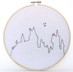 An original product by King Frankie. Dream of running away to wizard school every time you look at this finished embroidery hoop hanging on your wall! Each hoop is lovingly hand stitched Modern Embroidery, Vintage Embroidery, Diy Embroidery, Cross Stitch Embroidery, Embroidery Patterns, Cross Stitch Patterns, Embroidery Tattoo, Cross Stitch Harry Potter, Hanging Wall Art