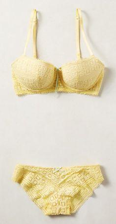 lemonberry bikini  http://rstyle.me/n/nwm46pdpe