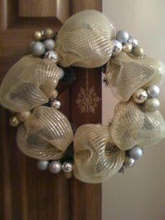 ~ I'M NOT MESSY... I'M JUST BUSY ~: DIY Mesh Ribbon Wreath
