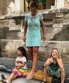 💫Andiamo 💫Viene con me 🧚♀️🧚♀️😉 🇮🇹❤️🇮🇹 Vanessa Montoro, Short Sleeve Dresses, Dresses With Sleeves, Crochet Clothes, Crochet Dresses, Lily Pulitzer, Instagram, Summer Dresses, Knitting