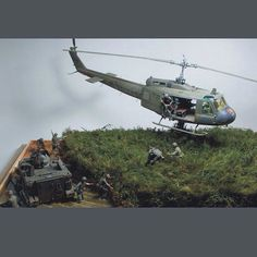 Drop zone under attack!..PART1 scale: 1:35  By: Ricky Wong From:diorama.ru  #scalemodel #diorama #hoby #modelismo #miniatura #miniature #maqueta #maquette #modelism #plastickits #usinadoskits #udk #plastimodelo #plasticmodel #modelisme