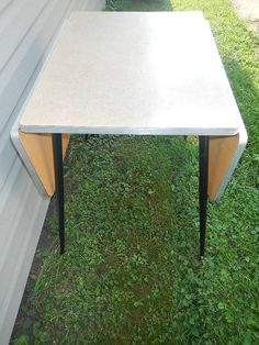 Vintage Formica Table with 2 Leave Mid by NeatVintageItems