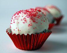 red velvet cake balls... I want!
