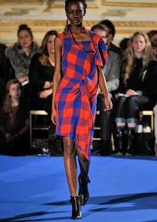 WOMAN OF COLOUR: Maasai Inspired