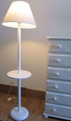 lampara infantil sobremesa de madera con la base cuadrada