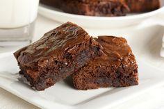 Estos brownies además de ser sencillos quedan deliciosos, se hacen en poco tiempo y es un postre que le encantará a toda la familia.
