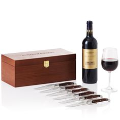 The Margaux & Steak Knives Set from Fortnum & Mason available through the Wedding Heart website http://www.weddingheart.co.uk/fortnum-and-mason---hampers.html