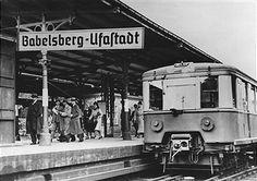 S-Bahnhof Babelsberg Ufastadt 1940 Berlin Station, S Bahn, Busse, Public Transport, Old Photos, Trains, Transportation, Germany, Tattoo