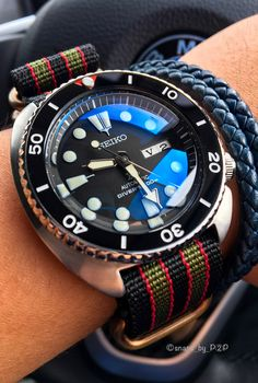 Beautiful reflection on the double dome mod of the Seiko Turtle!