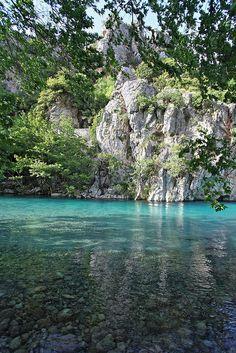 voidomatis river at kleidonia   Grecia