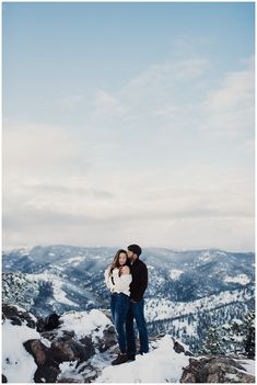 Fall Engagements in Boulder Colorado, Colorado engagement session, Eden Strader Photography, Lost gulch lookout engagements, Boulder engagements, Colorado Wedding Photographer, Winter engagements, engagement pose ideas