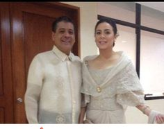 Dawn Zulueta, in a Cary Santiago gown, poses with her husband, Anton Lagdameo before attending President Aquino's 2013 State of the Nation Address. Modern Filipiniana Gown, Filipiniana Wedding Theme, Fashion Show, Girl Fashion, Fashion Outfits, Classy Wedding Dress, Wedding Dresses, Filipino Wedding, Filipino Fashion