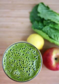 Green Smoothie {Perfect Detox Smoothie and Elixir for Healthy Glowing Skin} | cHowDivine.com