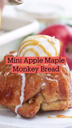 Fun Baking Recipes, Apple Recipes, Sweet Recipes, Cooking Recipes, Disney Food Recipes, Easy Desserts, Delicious Desserts, Yummy Food, Recipes For Desserts