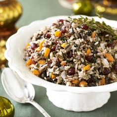 Fragrant rice pilaf will go with almost main dish on the holiday table. Fall Recipes, Holiday Recipes, Whole Food Recipes, Cooking Recipes, Budget Recipes, Holiday Foods, Rice Recipe For Thanksgiving, Herbed Rice, Wild Rice Pilaf