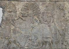 Baixo-relevo do palácio real de Nínive, representando soldados assírios contabilizando o butim no decurso de uma campanha na Babilónia / Booty Nineveh