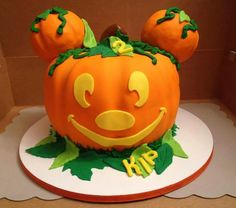 Mickey Halloween Pumpkin