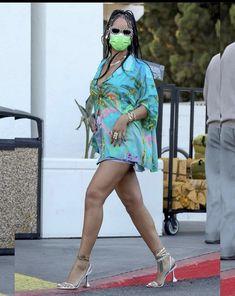 Stepping Out, Rihanna, Harajuku, Punk, Turning, Shopping, Flow, Instagram, News