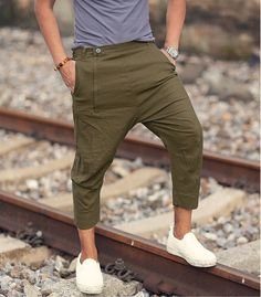 S spring & summer british style pants fashion ideas Indian Men Fashion, Mens Fashion Suits, Fashion Pants, Summer Outfits Men, Casual Outfits, Shorts Style, Pants Style, Formal Men Outfit, British Style