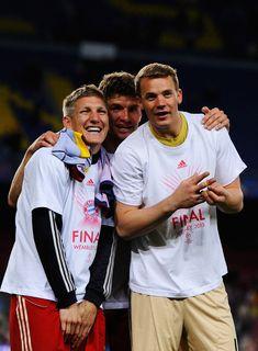 Manuel Neuer and Bastian Schweinsteiger - Barcelona v FC Bayern Muenchen