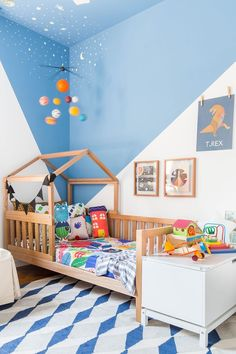 60 Montessori Room Options That Are a Flush Explosion! 60 Montessori Room Options That Are a Fl. Baby Bedroom, Baby Room Decor, Bedroom Decor, Bedroom Boys, Childrens Bedrooms Boys, Trendy Bedroom, Blue Furniture, Kids Bedroom Furniture, Furniture Stores