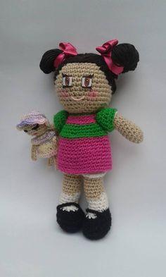 La niña más inocente al lado de su inseparable amiga Cerafina de la vecindad, creada por el super comediante Chespirito, hecha a mano en crochet, por manos de madres, hermanas, hijas, abuelas y tías. #amigurumi #crochet #handcraft #chespirito #lapopis #elchavodelocho #elchavo #lavecindaddelchavo #trabajoAmano #supercomediante #latinoamérica #chespiritomexico Facebook Sign Up, Crochet Hats, Teddy Bear, Grandmothers, Mothers, Sisters, Dots, Amigurumi, Knitting Hats