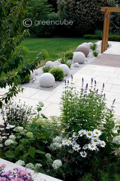 modern garden decor Greencube garden and landscape design, UK: Sculpture in the garden, greencube designs a sculptural ball garden Back Gardens, Small Gardens, Outdoor Gardens, Outdoor Rooms, Outdoor Living, Modern Landscaping, Front Yard Landscaping, Landscaping Ideas, Landscaping Software