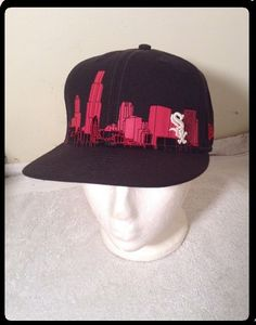 e95e64dfb07 EXC+ New Era Chicago WHITE SOX SKYLINE Sz 7 1 4 Fitted Hat MLB 59FIFTY  Black  NewEra  ChicagoWhiteSox