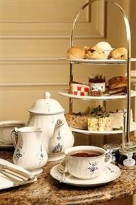 When it comes to tea, tea at The Goring tops the rest.  http://hitthetheatre.com/ loves it there.